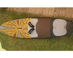 Quad windsurfing board