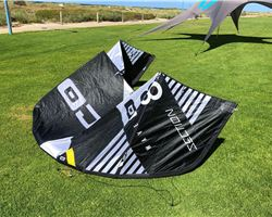 Core Section 3 8 metre kitesurfing kite