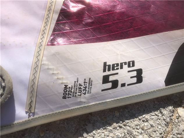2012  Various Wave Sails 4.0 / 4.2 / 4.7 / 5.3 - 4.7 metre