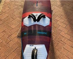 Fanatic Grip 86 litre 225 cm windsurfing board