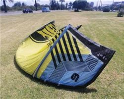 Cabrinha Moto And Overdrive Bar 9 metre kiteboarding kite