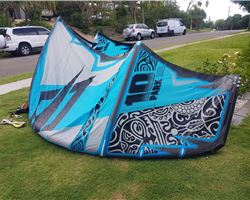 Naish Park Hd 10 metre kiteboarding kite