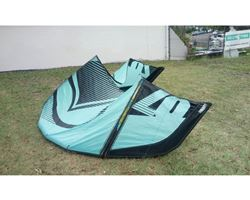 Liquid Force Wow V3 7 metre kitesurfing kite