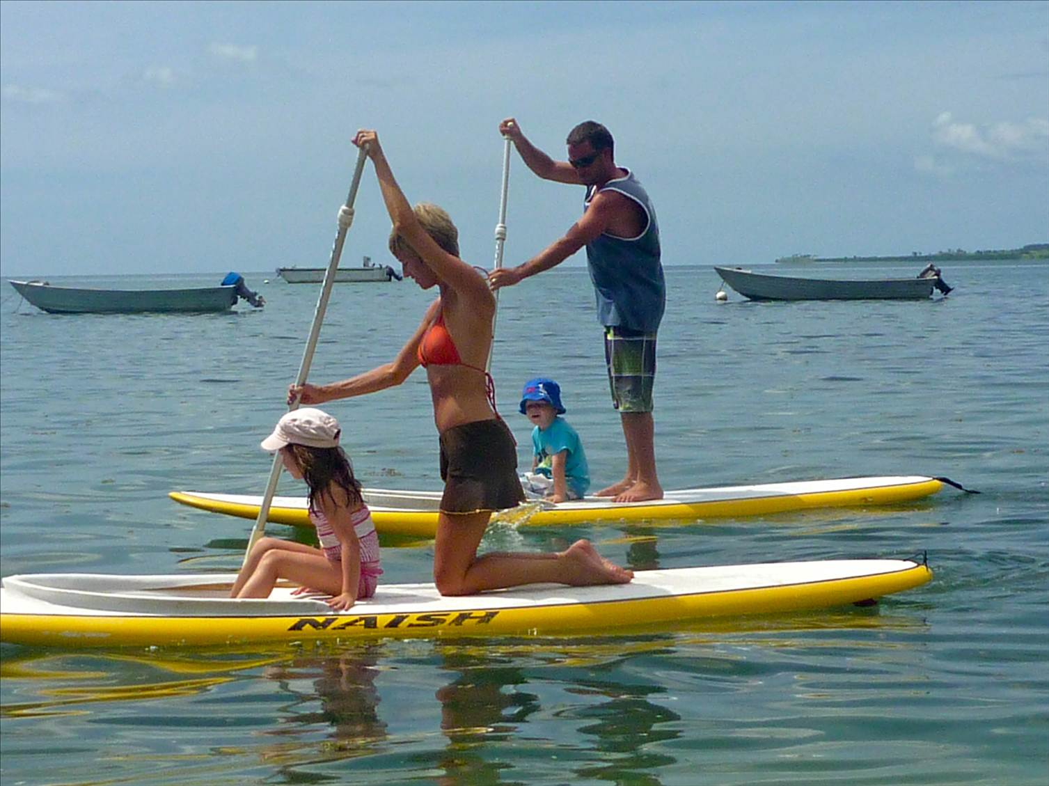 91d7dbfaaf Stand Up Paddle Kids cruising Photo