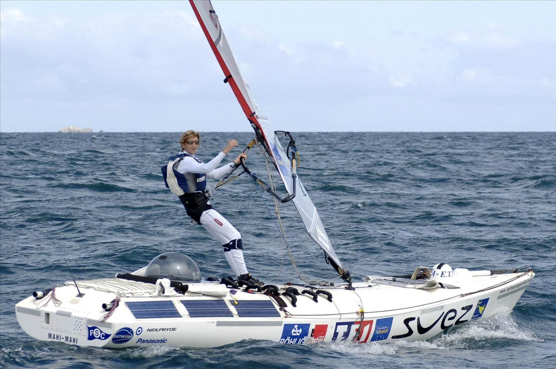 Windsurfing Sailboard Photo