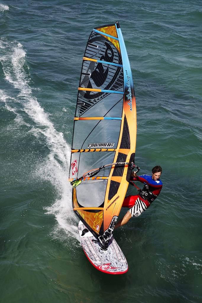 Pin by Jo on Sport Women | Windsurfing, Surfing, Wind