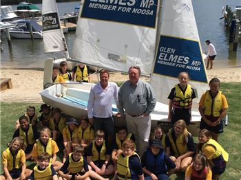 Politician supporting kids sailing for advertising. - Sailing News