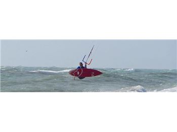 The First Ever Strapless Double Backroll. - Kitesurfing News