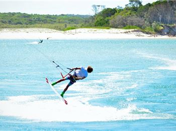 School Holiday 'Supreme' Sessions with Manny Blanch - Kitesurfing News