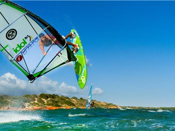 Waterman in Arms - Two legends of the ocean, one playground. - Windsurfing News