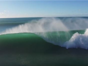 You won't see waves on the Sunny Coast Better than this! - Surfing News