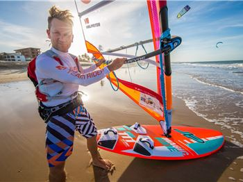 350km in 9.5 hours, non stop. Guy Cribb goes AWOL in Brazil - Windsurfing News