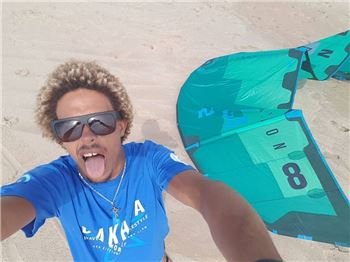 Defying gravity: Strapless Double Front Shuv-it! - Kitesurfing News
