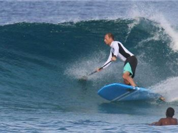 When should you call a wave 'overhead'? - Stand Up Paddle News