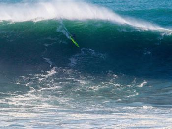 Big Wave Surfers Compete at the Worlds Heaviest Beachie - Surfing News