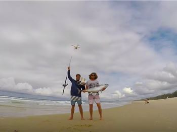 Guys use Drone to Perfectly Position Bait & Catch Huge Tuna! - Fishing News