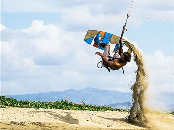 Makin' Sand Castles with Andre Phillip - Kitesurfing News