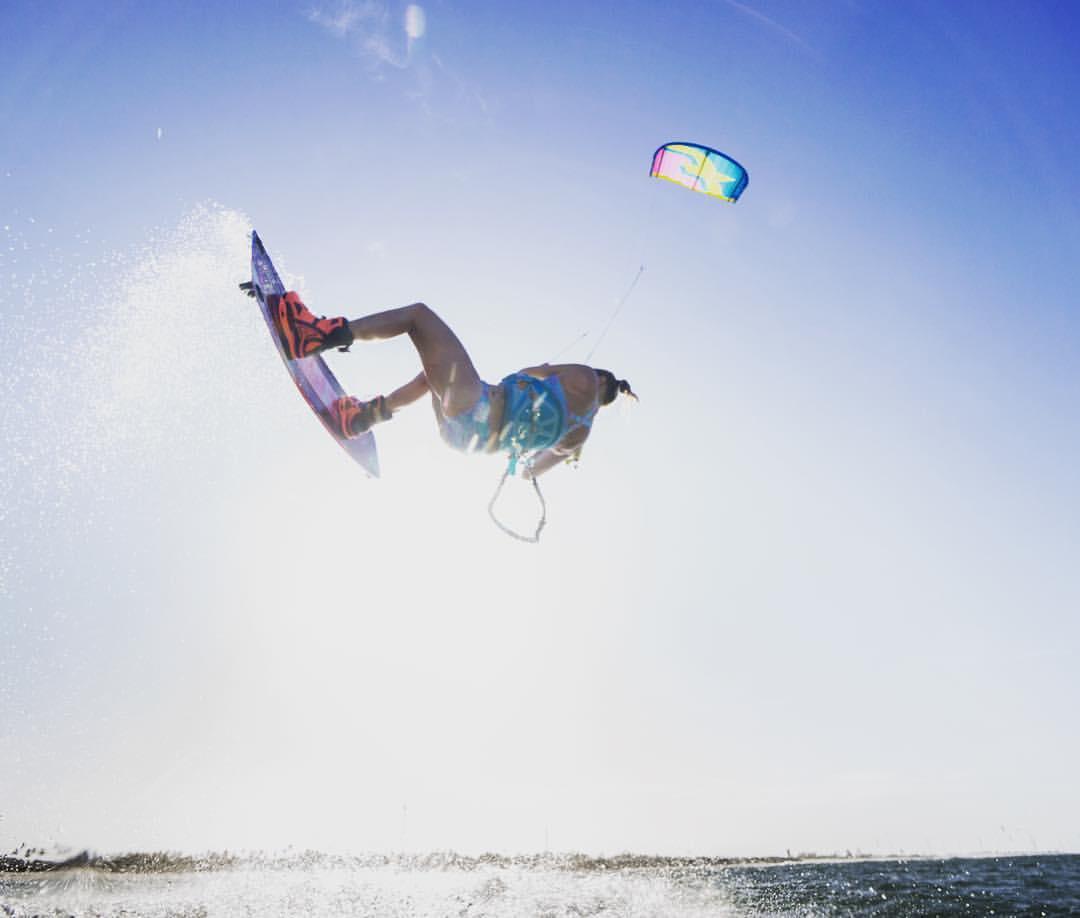 big moves in bikinis - the kite sista chicks in brazil. | seabreeze