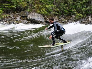 This Week in SUP Foil - Flat Water, Tiny boards and Rivers! - Stand Up Paddle News