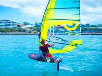 The Ultimate Guide to Beginners Wind Foiling: Video - Windsurfing News