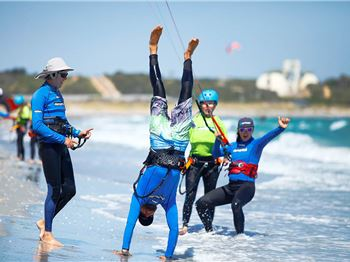 Elemental are looking for kiteboarding instructors! - Kitesurfing News