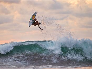Get intimate with Filipe Toledo. - Surfing News
