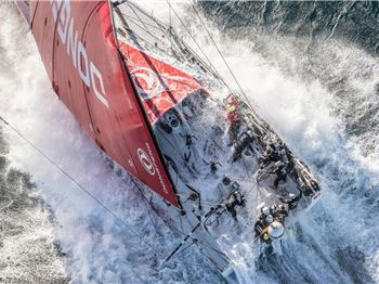 Huge storm hits Volvo Ocean Race Fleet - Sailing News
