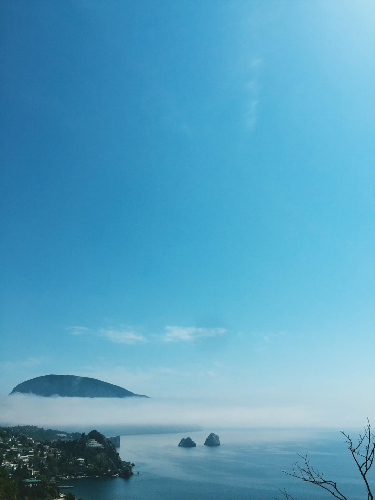 julia-karpacheva-paddleboarding-russia-black-sea-view