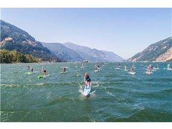 "Fiona Wylde claims ""Double Downwinder"" SUP Title 3x - Stand Up Paddle News"