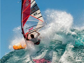 King of Freestyle Gollito Estredo looking for 9th world titl - Windsurfing News