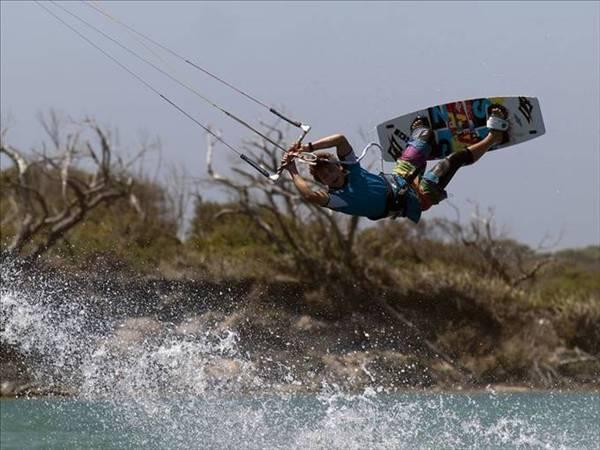 Ewan Jaspen - Freestyle kiteboarding