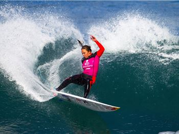 Carnage at Bells Beach for the ASP Bells Beach Pro! - Surfing News
