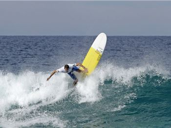 16 champions crowned at North Boomerang Beach. - Surfing News