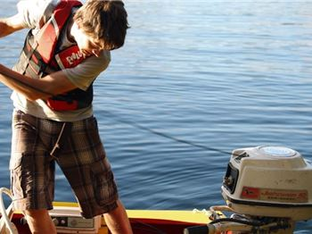 Outboard Motor Maintenance Tips - Power Boats News