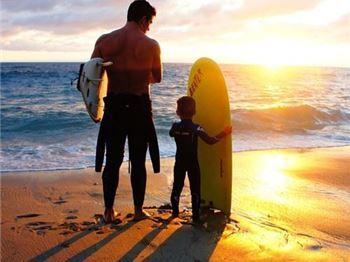 """Dad used to pay me to come surfing"" - Surfing News"