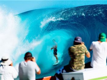 """The Best I've ever seen it"" Says Kelly Slater - Surfing News"