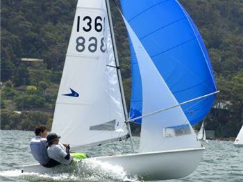 The Best Dinghy Choice for Junior Sailors - Flying 11! - Sailing News