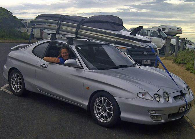 how to put paddle board on car