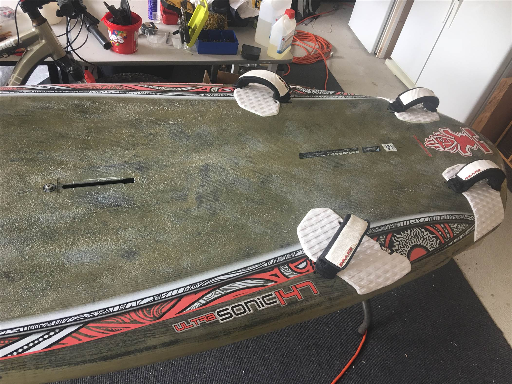 re re gripping a windsurf board made easy | Windsurfing