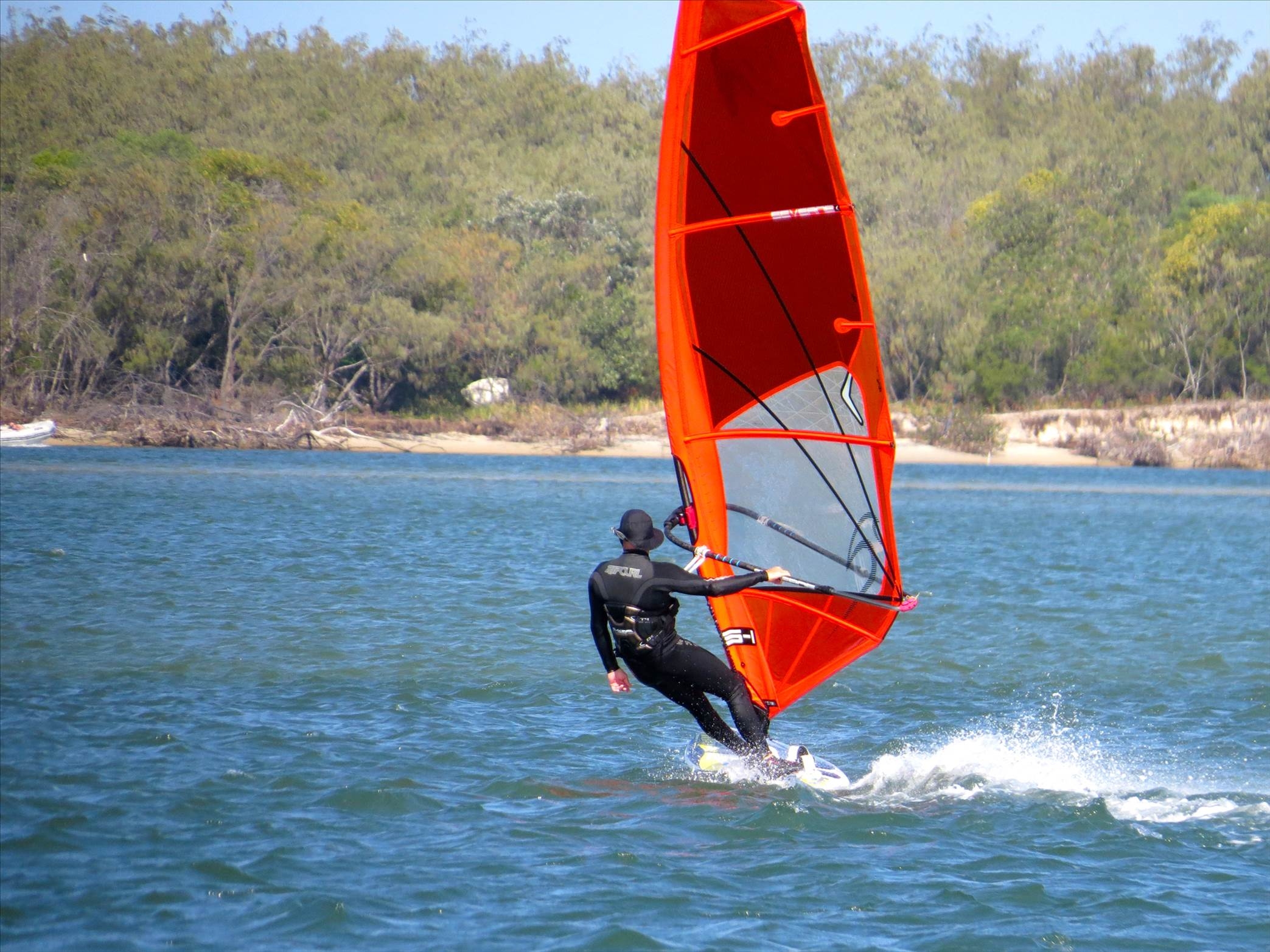 caloundra single guys Cool places to fly to from caloundra qld  two single beds with two additional fold out singles available  thanks guys, i'm currently flying .